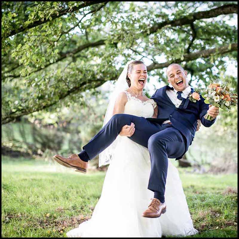 Bryllupsfotograf i Silkeborg til billige priser.